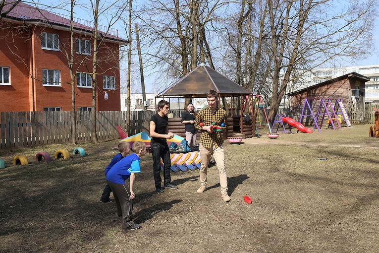 Развлекательные игры с детьми Спировского реабилитационного центра для несовершеннолетних детей