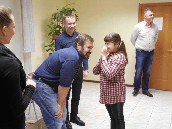 Знакомство и общение со слепой девочкой